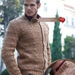 Knitted pullover for men with zip