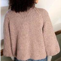 Short cardigan -free knitting pattern.